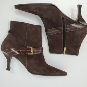 Anne Klein brown square toe boots. 0005